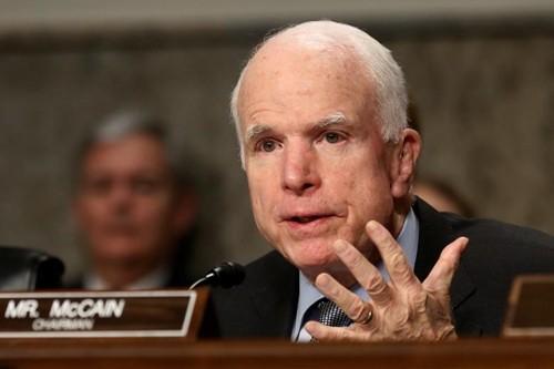 John McCain thách Trump chứng minh Obama nghe lén