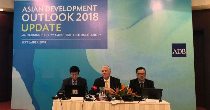 ADB dự báo kinh tế Việt Nam tăng trưởng 6,8%, lạm phát cao nhất 4% trong năm 2018