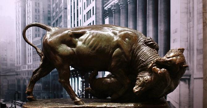 Dow Jones sụt hơn 750 điểm khi giới đầu tư sốc với sự trả đũa của Trung Quốc