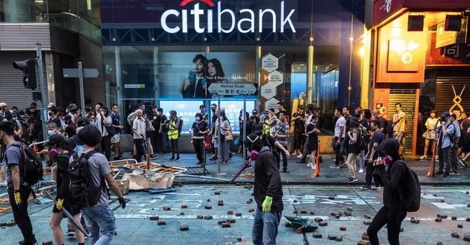 Citigroup gấp rút cảnh báo khi một nhân viên bị bắt vì biểu tình ở Hồng Kông