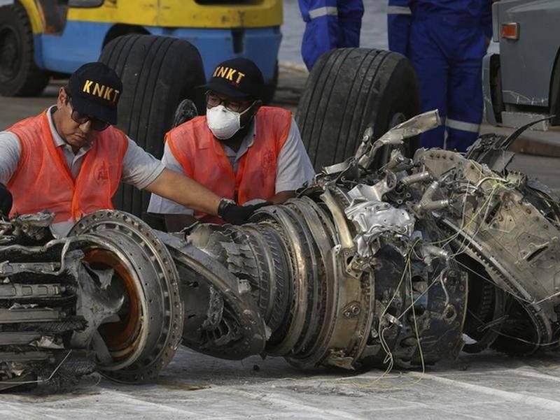 Máy bay Boeing 737 chở 180 hành khách rơi tại Iran