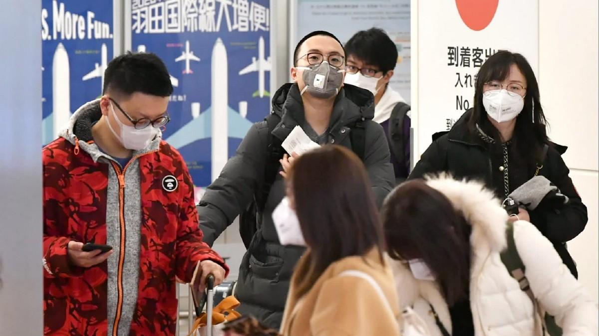 Thuế cao và dịch cúm corona có thể đẩy kinh tế Nhật vào suy thoái
