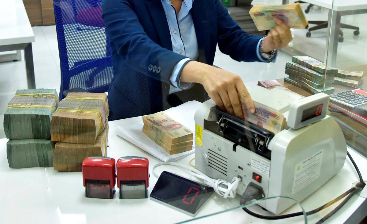 Fitch: Diễn biến kinh tế tích cực đang hỗ trợ các ngân hàng Việt