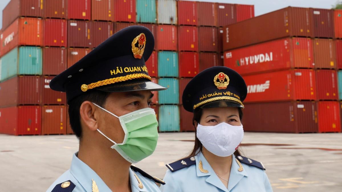 Nikkei: Việt Nam có thể là nền kinh tế Đông Nam Á duy nhất tăng trưởng trong nửa đầu 2021