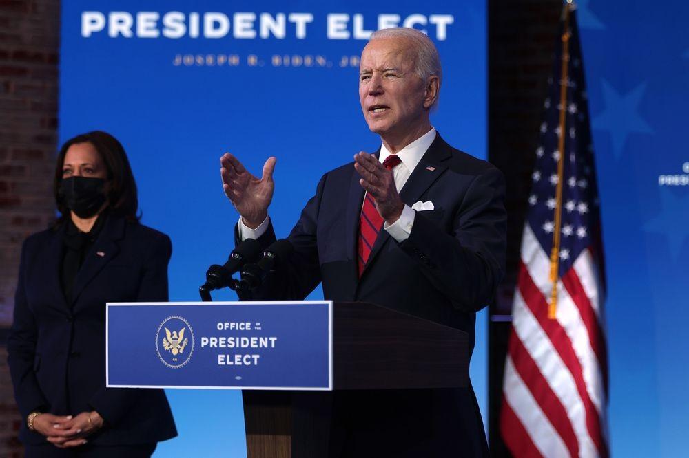 Ngày đầu tiên, Tổng thống Joe Biden ký thông qua số lượng quy định mới nhiều chưa từng có