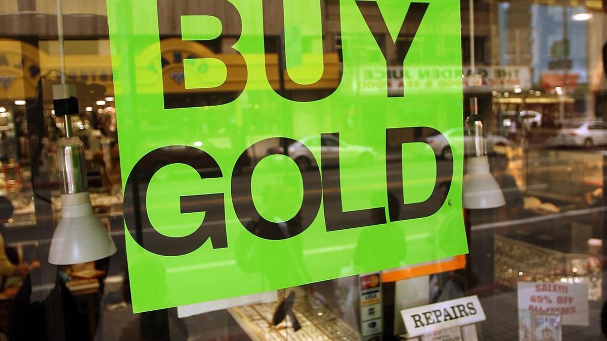 Standard Chartered dự báo giá vàng sẽ lập đỉnh cao mới trong quý 2/2021