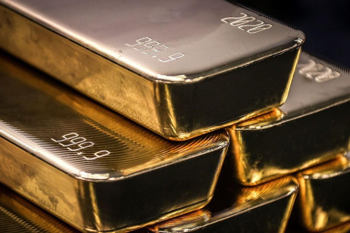 Giá vàng tăng vọt ngay phiên đầu tháng 5/2021