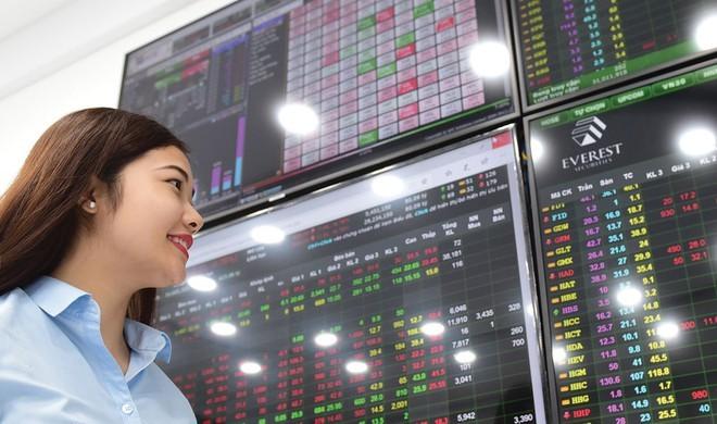 Bloomberg: Hàng loạt quỹ ngoại đang tìm kiếm cơ hội tham gia thị trường chứng khoán Việt Nam