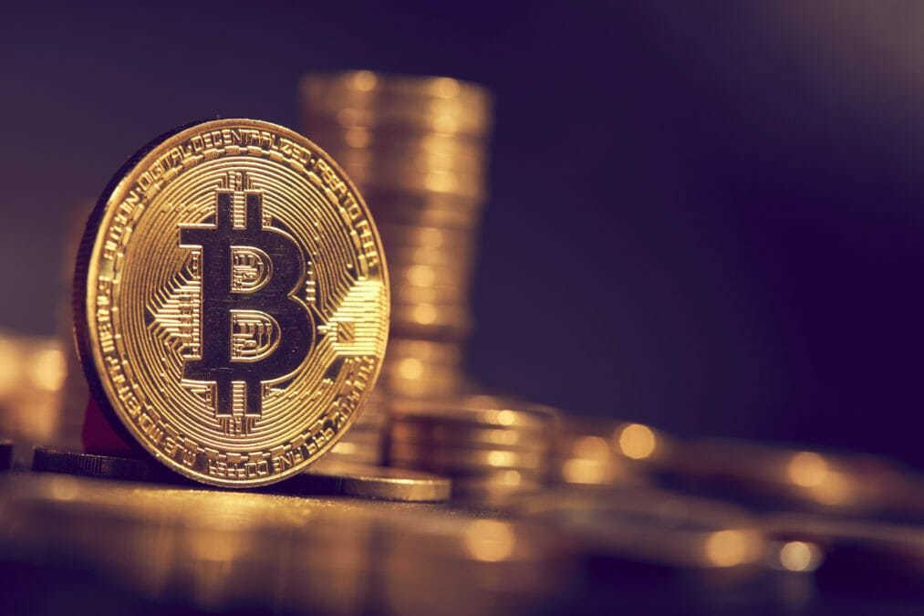 Giá bitcoin và hàng loạt tiền mã hóa đồng loạt hồi phục mạnh