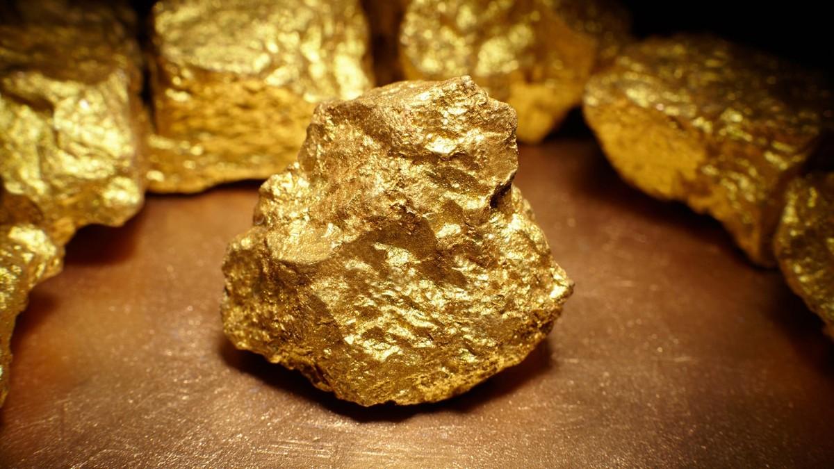 Những yếu tố nào đã đẩy giá vàng tăng vượt mức 1.900USD/ounce?
