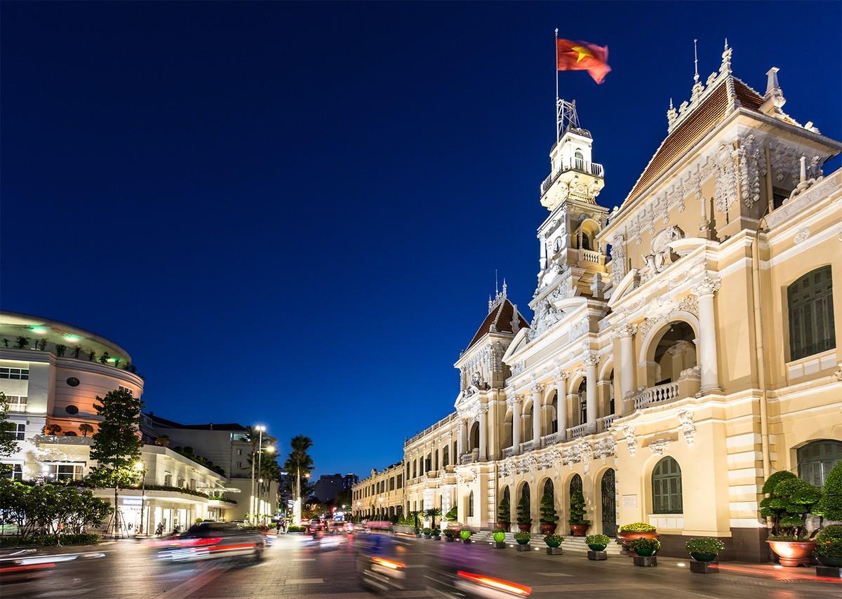 HSBC tiếp tục hạ dự báo tăng trưởng GDP Việt Nam, kỳ vọng Ngân hàng Nhà nước điều chỉnh lãi suất