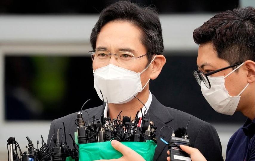 """""""Thái tử"""" Samsung đương đầu với những áp lực nào sau khi ra tù?"""