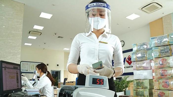 Fitch: Gia tăng rủi ro chất lượng tài sản, nhưng các ngân hàng Việt Nam đã có điều kiện hơn để chống đỡ