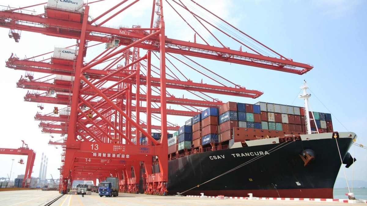 Xuất khẩu Trung Quốc lập kỷ lục khi nhu cầu tiêu thụ hàng hóa tại châu Âu, Mỹ lên mạnh