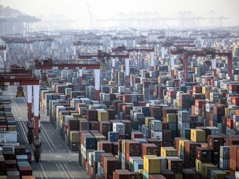Các biện pháp kiểm soát chặt chẽ khiến kinh tế Trung Quốc suy yếu