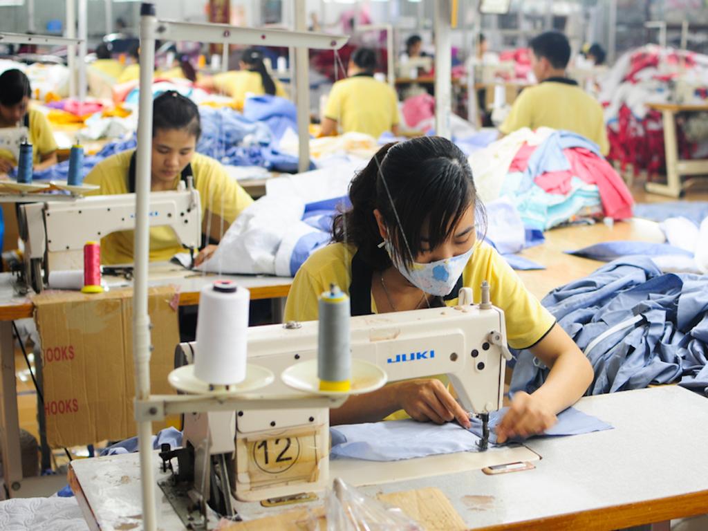 Standard Chartered dự báo tăng trưởng kinh tế Việt Nam đạt 5,5% trong quý 4