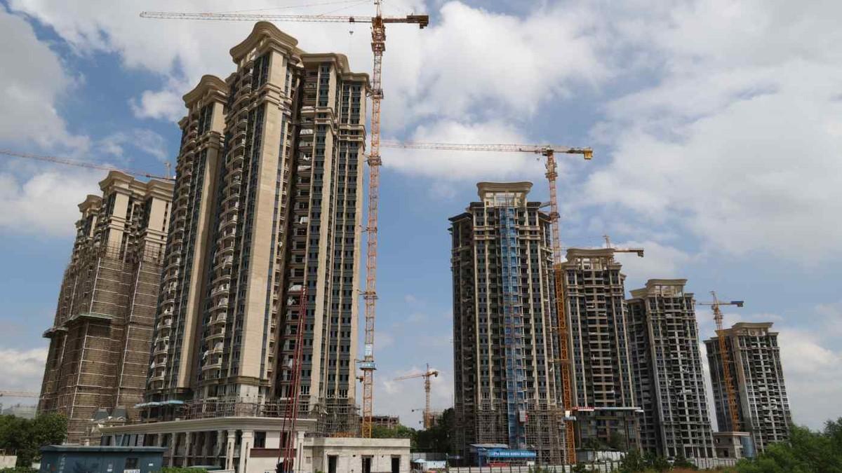 """Doanh số bán bất động sản sụt mạnh """"phủ bóng đen"""" lên triển vọng kinh tế Trung Quốc"""
