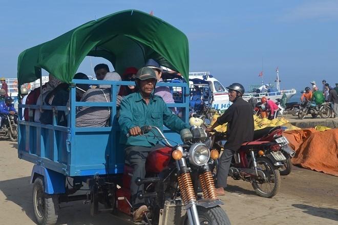 Dịch vụ taxi đầu tiên ra đảo Lý Sơn