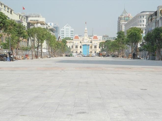 Vận hành thử nghiệm quảng trường đi bộ đầu tiên tại TPHCM