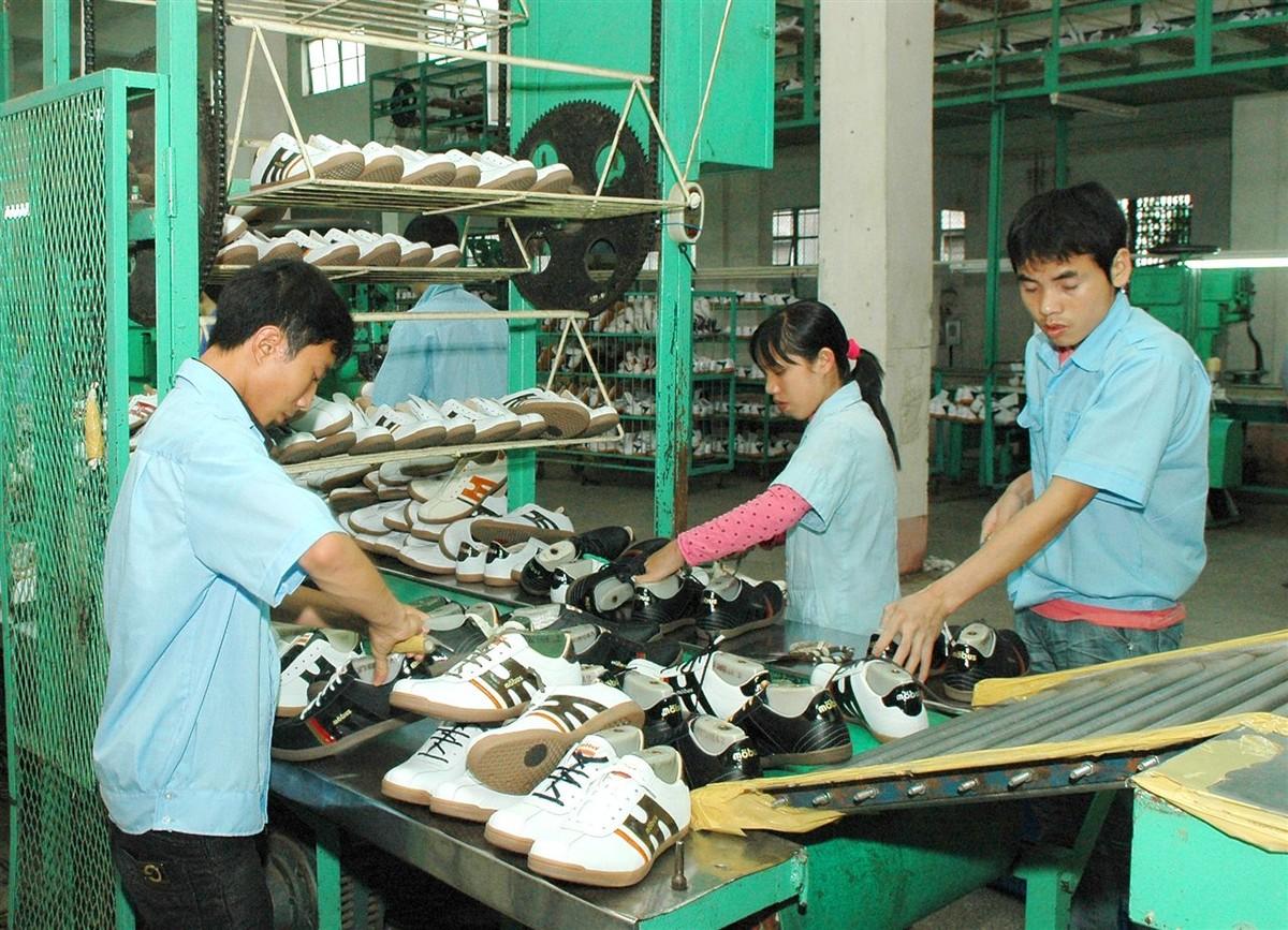 Ngành da giày lo doanh nghiệp chưa vào được chuỗi cung ứng