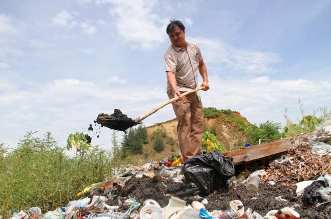 Chất thải của Formosa chôn trong bãi rác khu du lịch Thiên Cầm