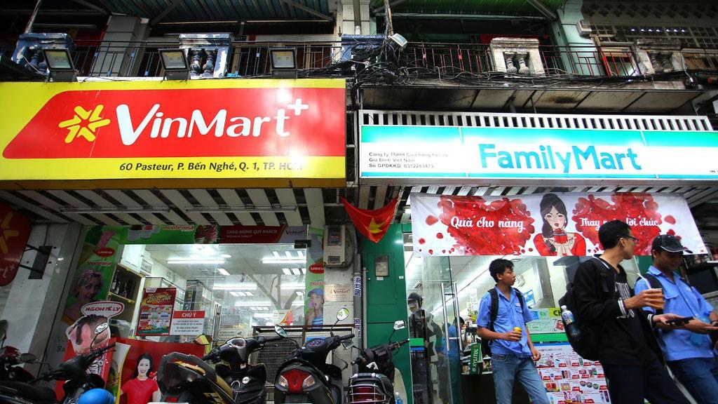 Cuộc chiến 500m đường 5 cửa hàng tiện lợi ngoại ở trung tâm Sài Gòn