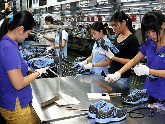 Khoảng 1 tỷ đôi giày được làm tại Việt Nam với giá 15 USD/đôi