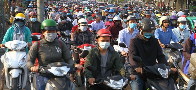 Bao giờ mới kiểm soát khí thải xe máy?