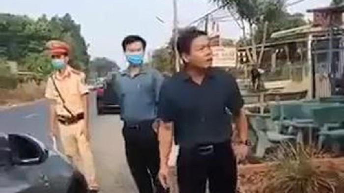 Cách hết chức vụ trong Đảng đối với Phó chủ tịch HĐND huyện không chấp hành chống dịch