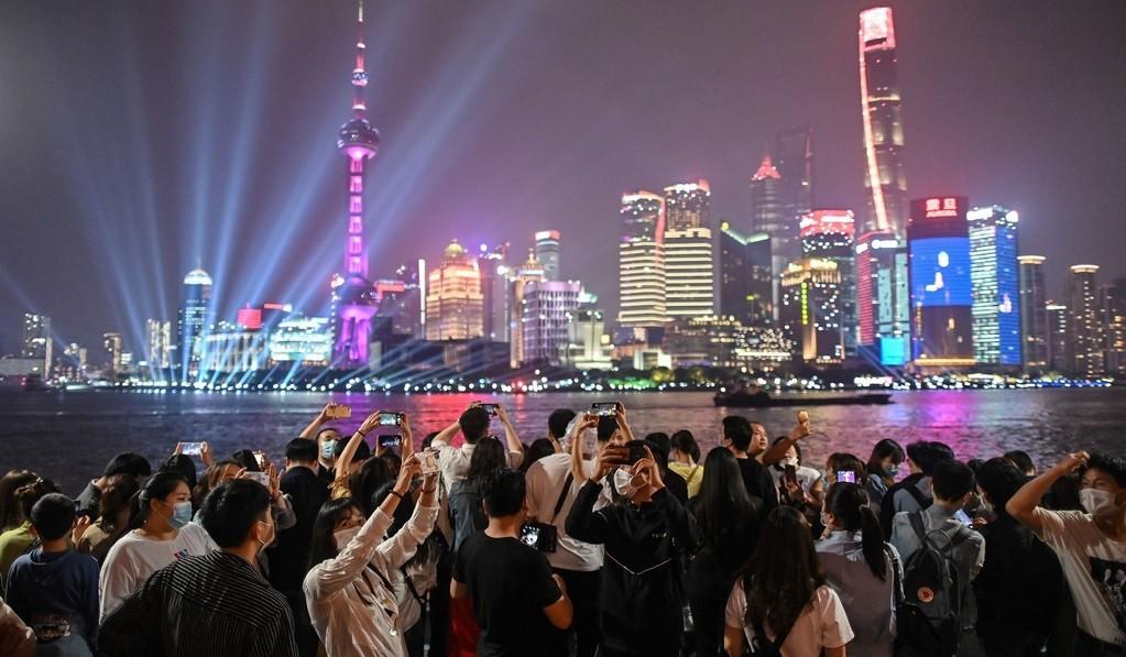 Bài học đắt giá từ châu Á khi vội mở cửa lại giữa dịch
