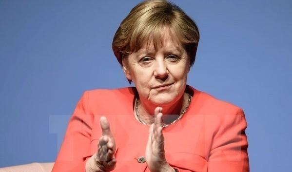 Thủ tướng Đức Angela Merkel bảo vệ gói kích cầu 130 tỷ euro
