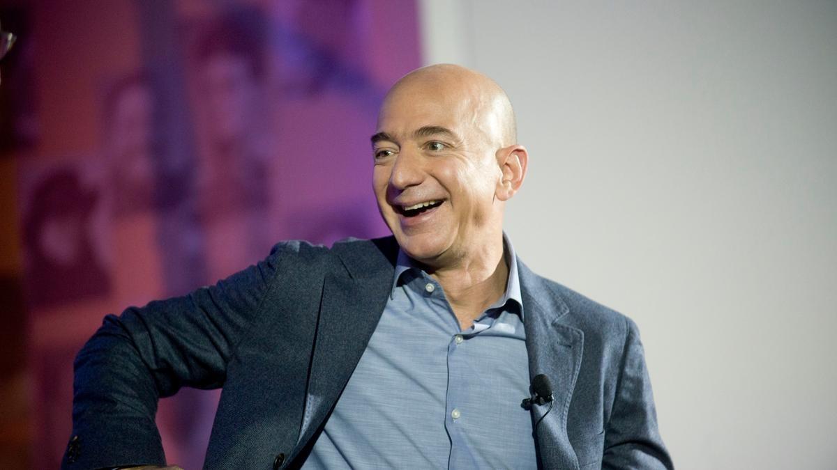 Tài sản của Jeff Bezos lập kỷ lục mới, vượt lên như chưa hề có cuộc ly hôn