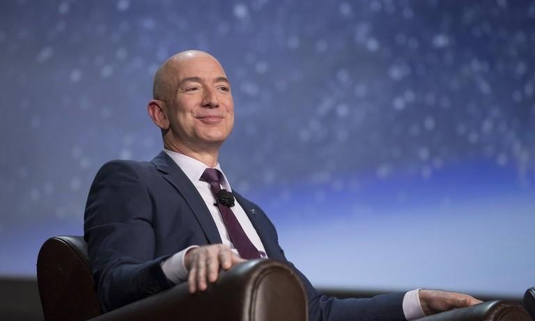 Jeff Bezos, Mark Zuckerberg, Elon Musk đã kiếm 115 tỷ USD trong 7 tháng qua
