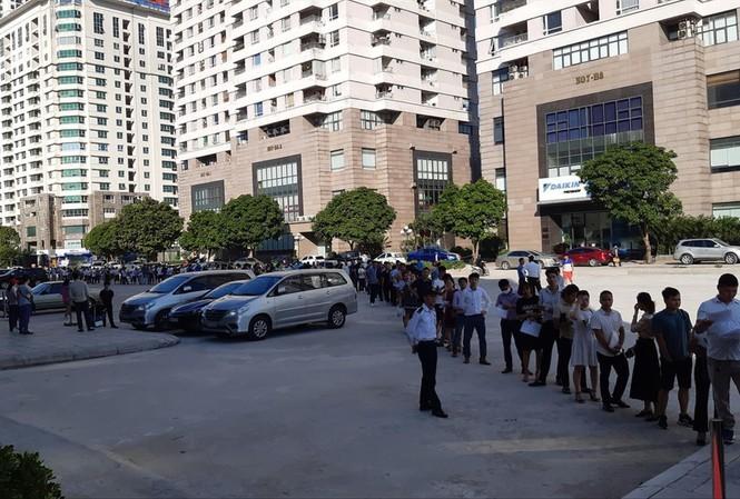 Rầm rộ rao bán quyền được mua căn hộ nhà ở xã hội ở Hà Nội
