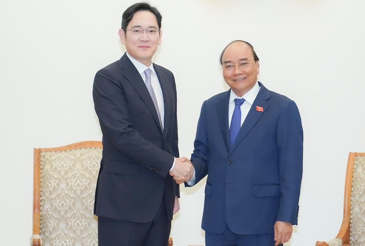 Thủ tướng đề nghị Samsung đầu tư mảng bán dẫn để khép kín chuỗi sản xuất tại Việt Nam