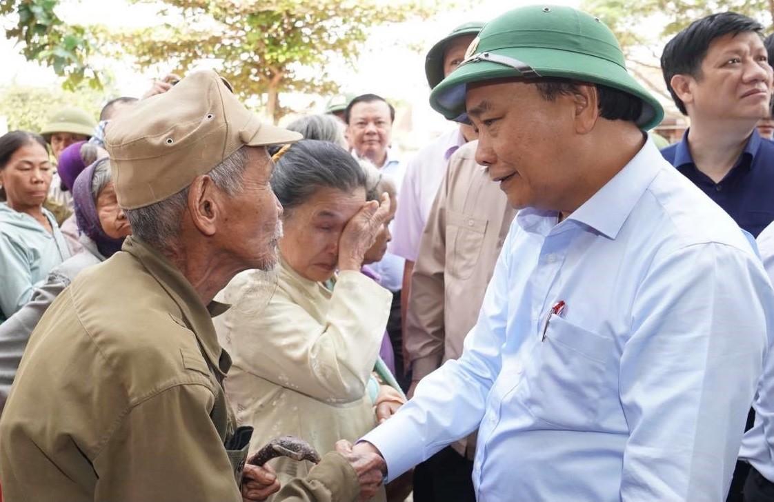Thủ tướng quyết định tạm cấp 500 tỷ đồng hỗ trợ 5 tỉnh miền Trung