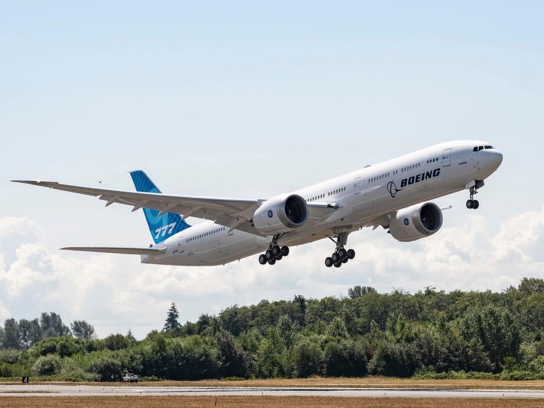 Boeing báo lỗ 450 triệu USD trong quý III, tiếp tục lên kế hoạch sa thải nhân viên