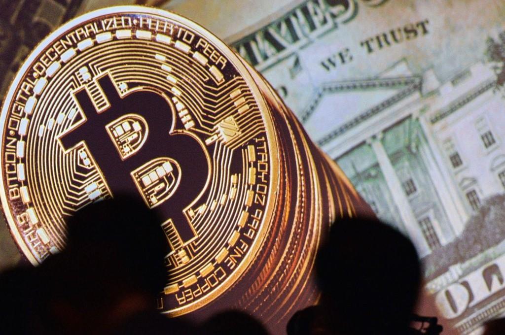 Vì sao giá Bitcoin tăng phi mã?