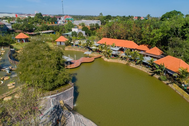 """Đồng Nai: Biến nhà ở riêng lẻ thành khu du lịch """"khủng"""" không phép"""