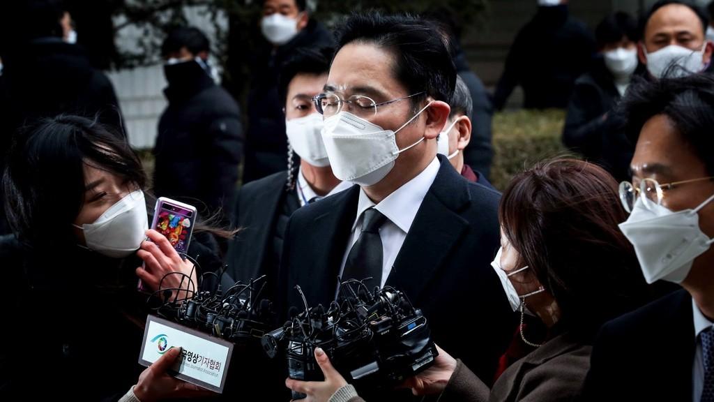 """Bản án của """"Thái tử"""" Lee Jae-yong phủ bóng đen lên Samsung"""