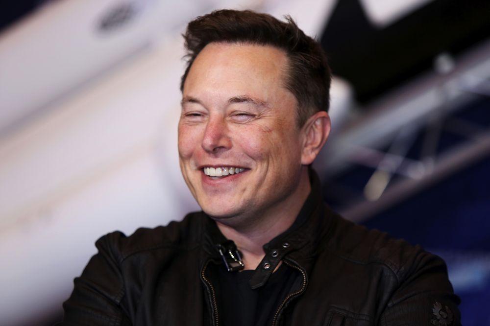 Elon Musk giành lại ngôi giàu nhất thế giới