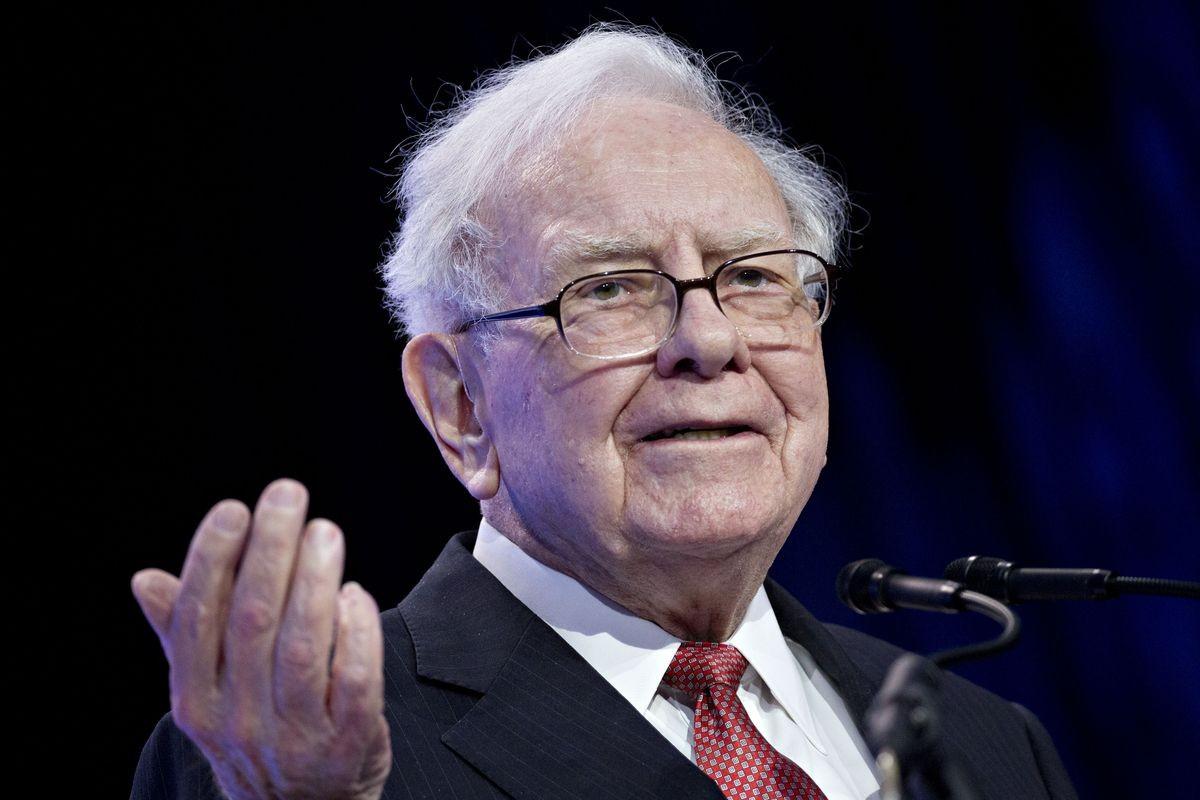 Warren Buffett chính thức gia nhập câu lạc bộ tỷ phú 100 tỷ USD