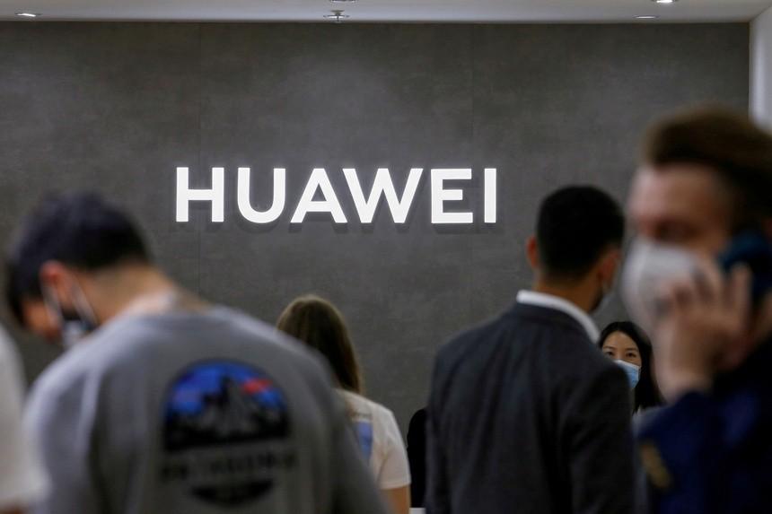 Chính quyền Biden giáng đòn vào Huawei