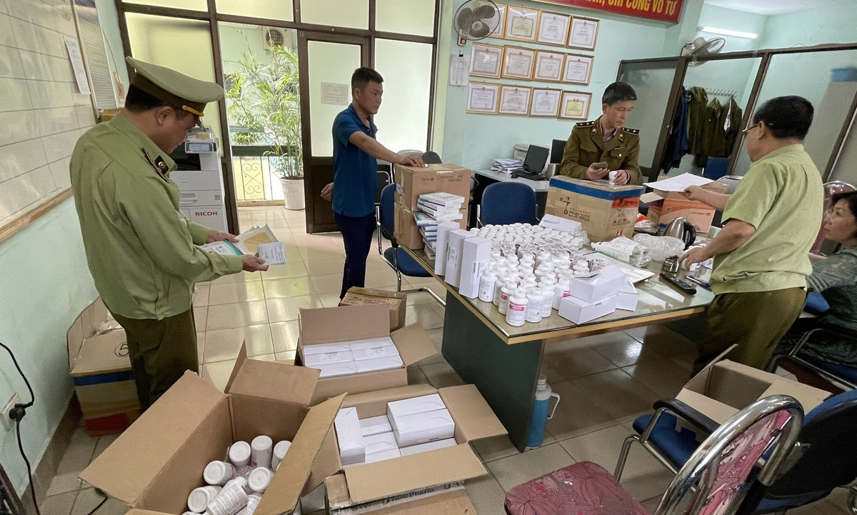 Phát hiện lô dược phẩm Hàn Quốc nhập lậu vận chuyển từ kho sân bay Nội Bài