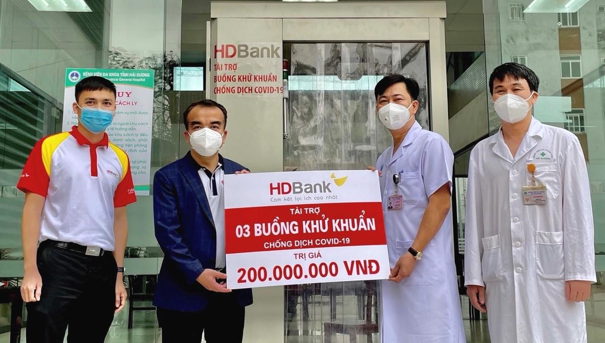 HDBank tặng 3 buồng khử khuẩn hỗ trợ Hải Dương phòng chống dịch Covid-19