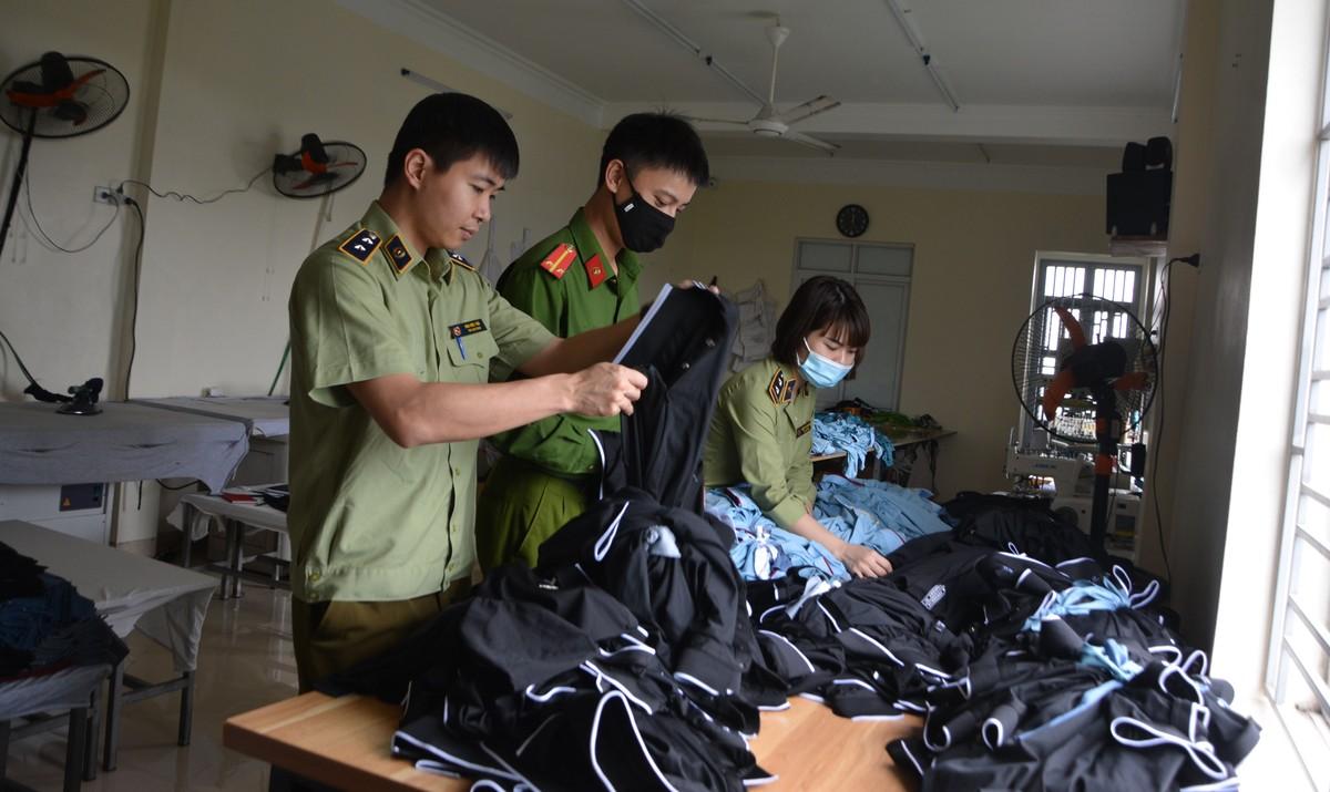 Hàng hiệu nổi tiếng thế giới sản xuất tại... Hưng Yên