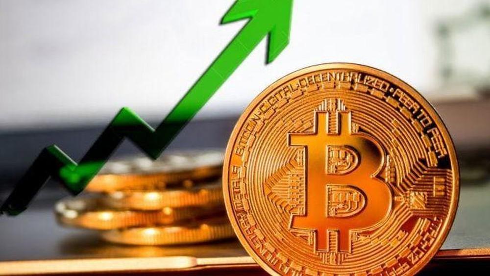 Giá Bitcoin tăng mạnh sau thông báo của Visa