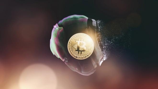 Giá Bitcoin lao dốc mạnh