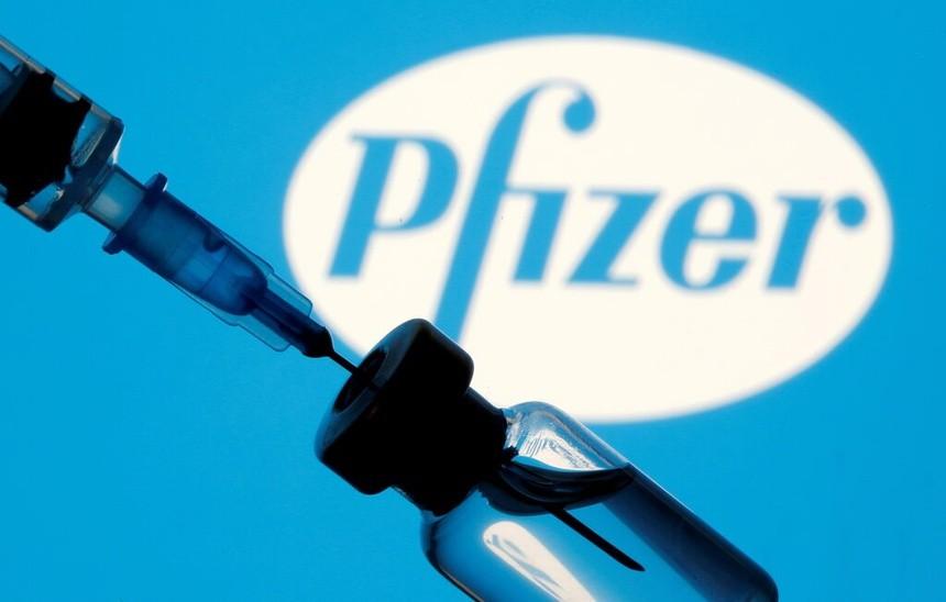Hãng dược Mỹ thu hàng tỷ USD từ vaccine Covid-19