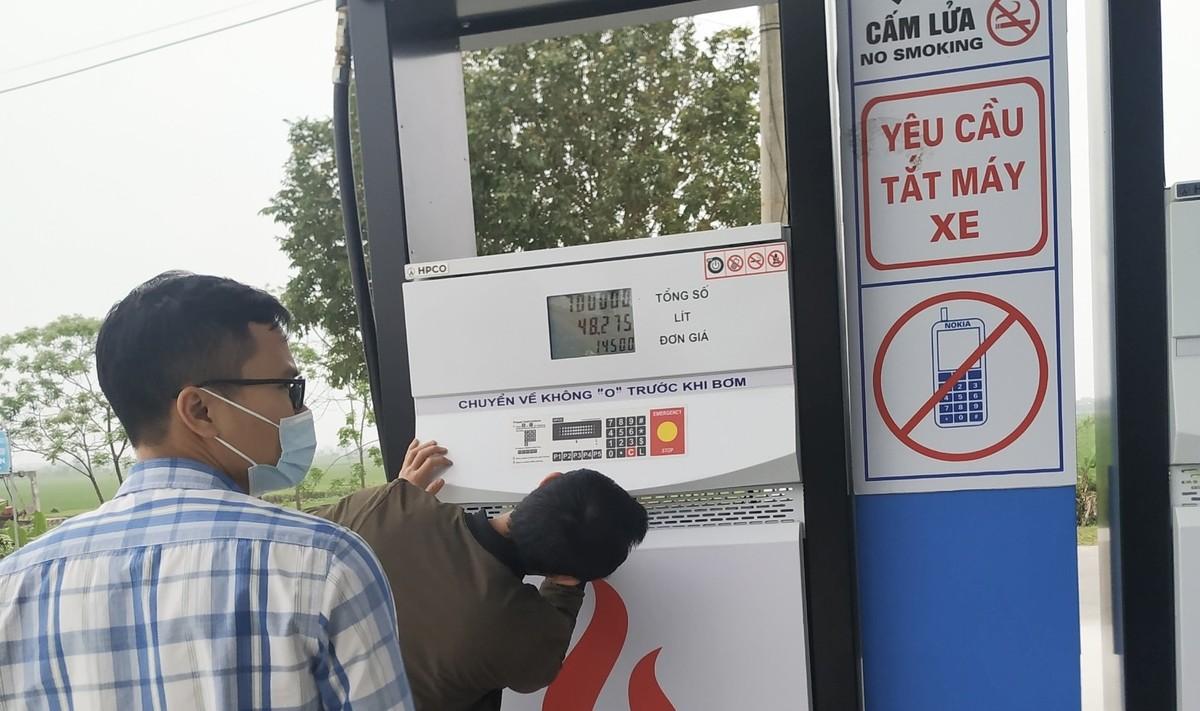 Kinh doanh xăng dầu kém chất lượng, 1 doanh nghiệp bị phạt gần 400 triệu đồng